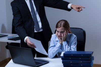 Трудовые споры: помощь юриста в сложных ситуациях