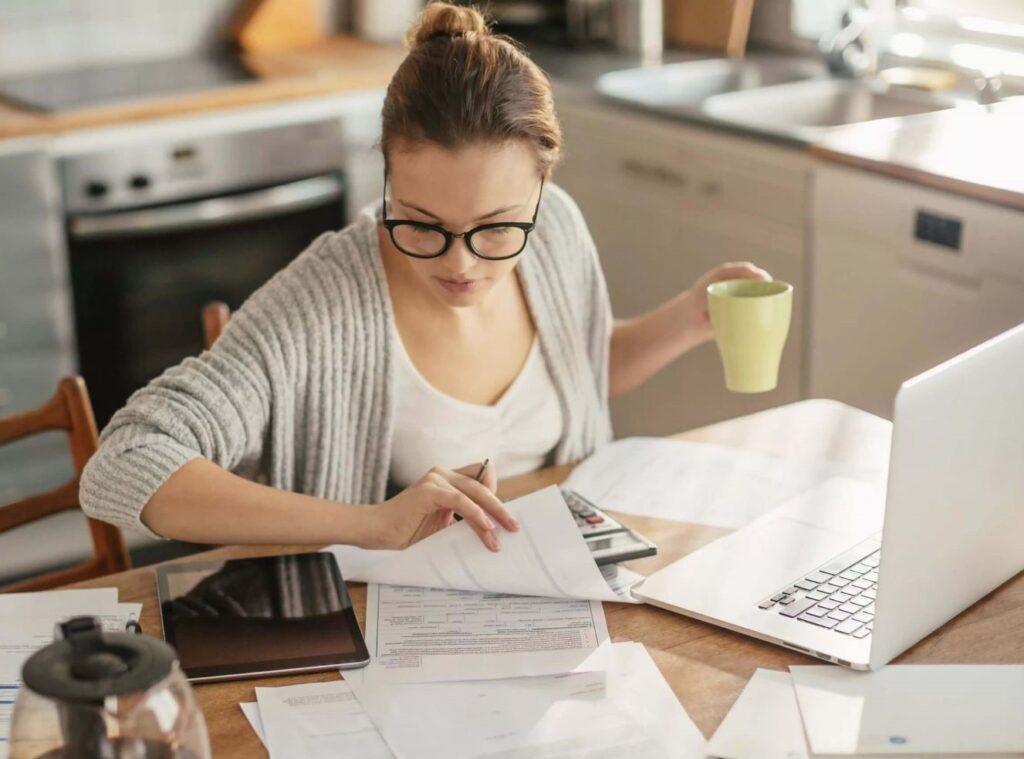 Сколько должны платить самозанятые и что будет, если не платить?