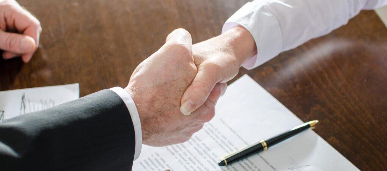 Помощь юриста в оформлении и заключении договоров