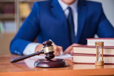 Юрист по взысканию долга в Москве