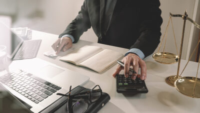Юрист по банковским спорам