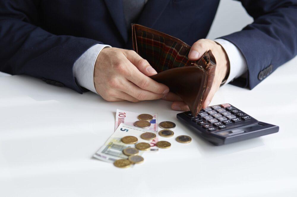 Какие долги может помочь списать юрист