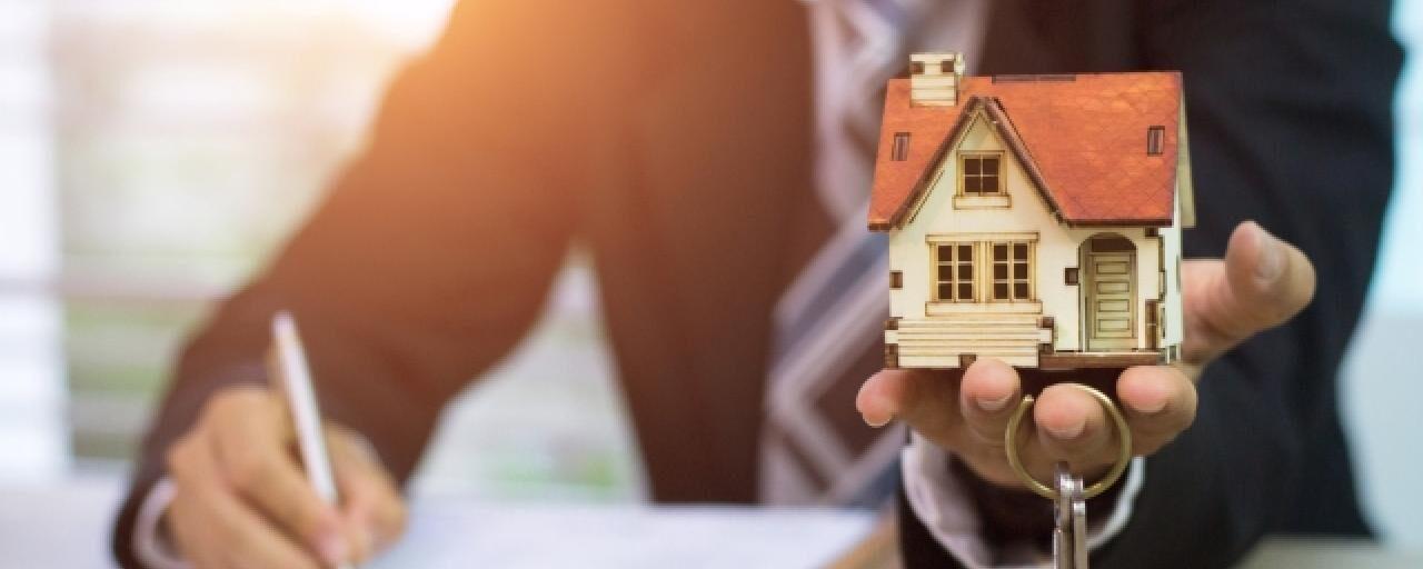 Помощь юриста при заключении сделок с недвижимостью