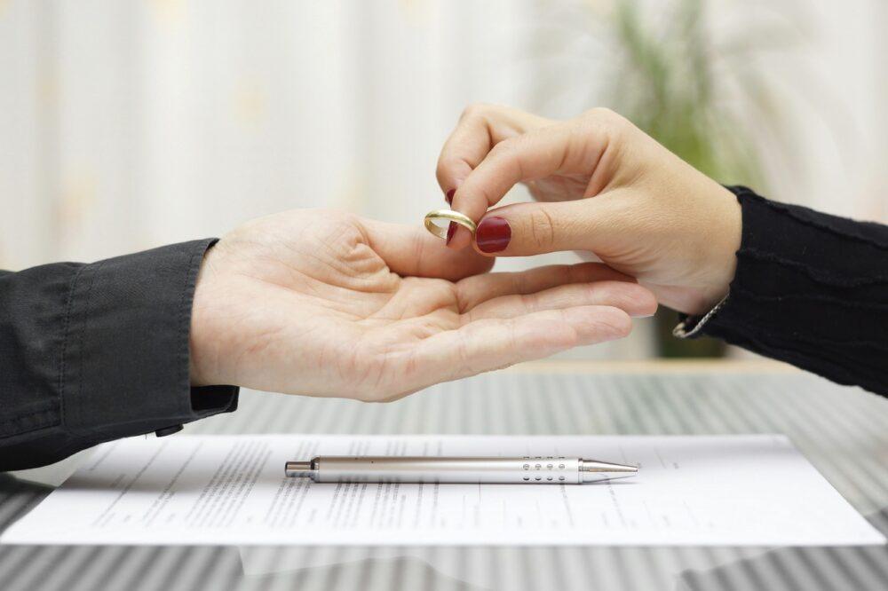 Цены на услуги юриста при разводе