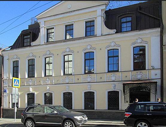 на изображении Петровский переулок д10 стр2 офис компании мой семейный юрист
